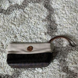 MICHAEL KORS Brown Tan Leather Wristlet Makeup Bag